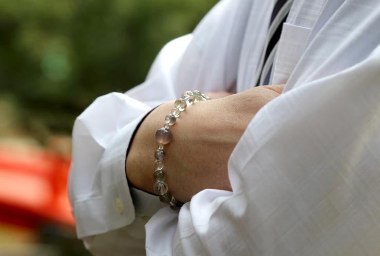 「癒しと目標」~心の癒しLタイプ~ブレスレットの着用画像2