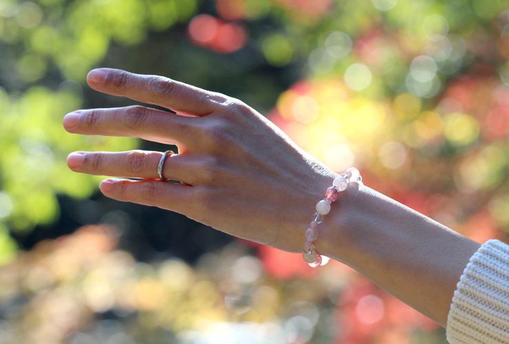「愛と癒し」~愛情運Sタイプ~ブレスレットの着用画像1