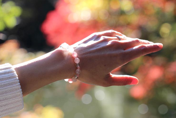 「愛と癒し」~愛情運Sタイプ~ブレスレットの着用画像2
