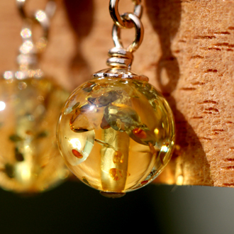 「煌き」高品質スパークリング・ハニーレモンアンバーピアスのイメージ画像4