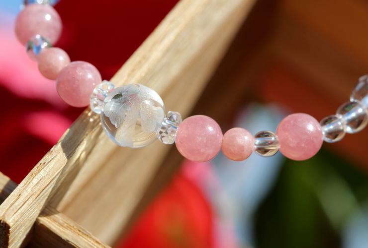 「薔薇色」インカローズ・水晶(クォーツ)花かずら(6mm)ブレスレットのイメージ画像2