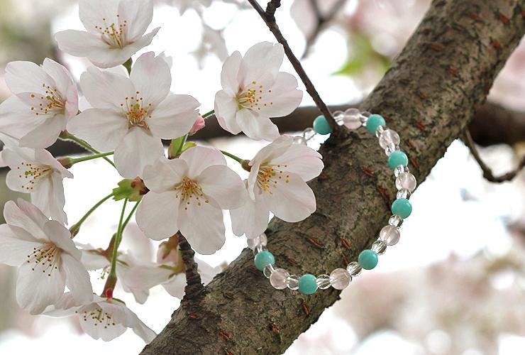 「春の息吹」ローズクォーツ・アマゾナイトブレスレット(相合い~相生6ミリ~)の風景メインイメージ