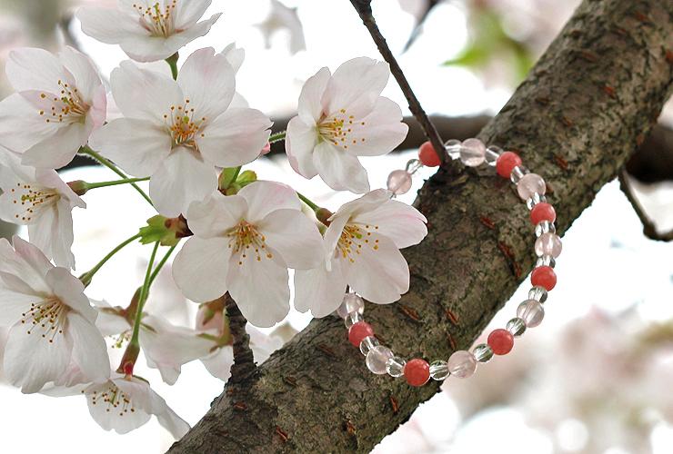 「女神の愛」ローズクォーツ・インカローズブレスレット(相合い~相生6ミリ~)の風景メインイメージ