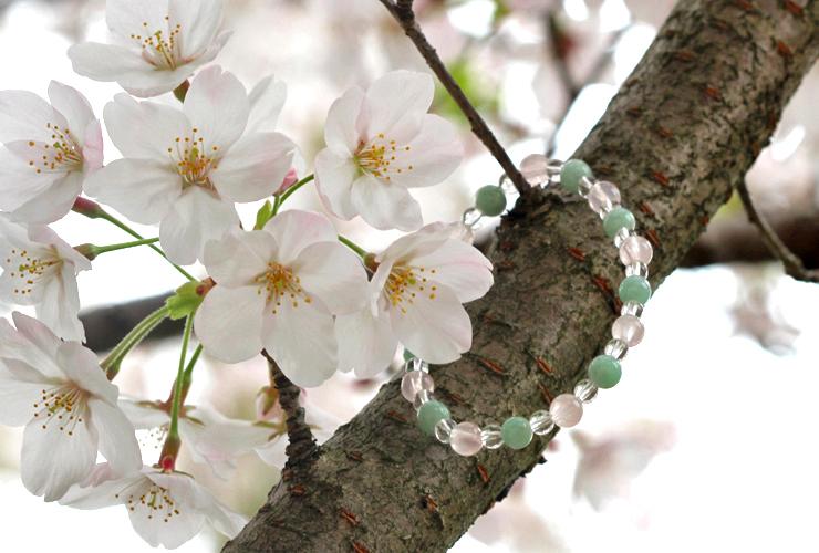 「私の成長」ローズクォーツ・翡翠ブレスレット(相合い~相生6ミリ~)の風景メインイメージ