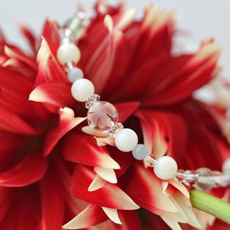 「神無月」10月の誕生石ホワイトオパールブレスレット(こよみ月~花かずら6ミリ~)のサブフラワーイメージ