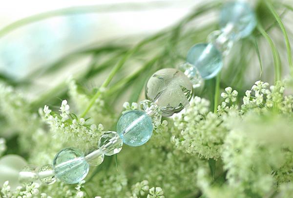 「霜月」11月の誕生石ブルートパーズブレスレット(こよみ月~花かずら6ミリ~)のメインフラワーイメージ