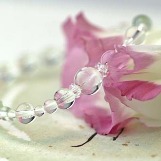 「卯月」4月の誕生石水晶ブレスレット(こよみ月~花かずら6ミリ~)のサブフラワーイメージ