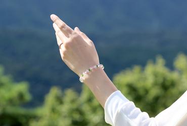「愛に向き合う」最高品質水晶・ダイオプサイト・ピンクトルマリンシリカブレスレットのイメージ画像7