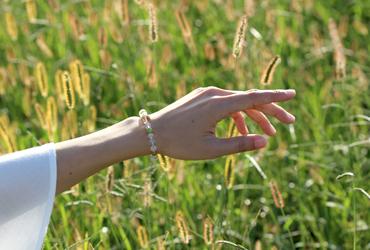 「故郷」高品質ガーデンルチルクォーツブレスレットのイメージ画像9