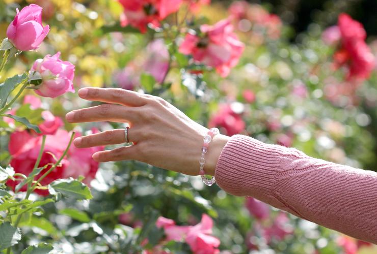 「始まりの予感」インカローズ・ピンクアメジスト・水晶(クォーツ)恋文(6mm)ブレスレットのイメージ画像4