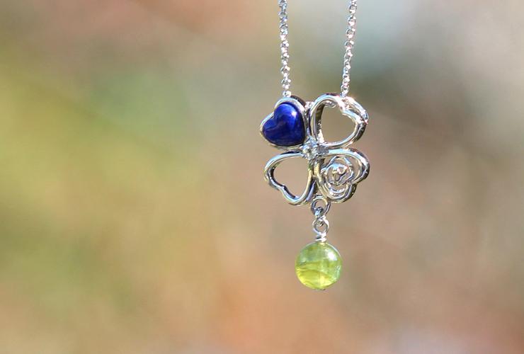「True Love(トゥルーラブ)」ラピスラズリオーダーメイドネックレスの風景メインイメージ