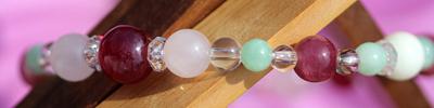 ルビー・ローズクォーツ・ピンクトルマリン・ホワイトコーラル・翡翠・水晶のサンプル画像
