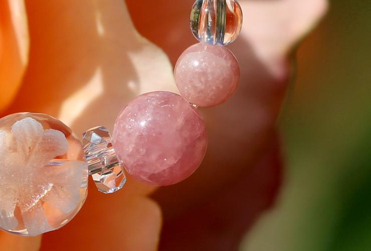 「薔薇色」インカローズ・水晶(クォーツ)花かずら(6mm)ストラップのイメージ画像2
