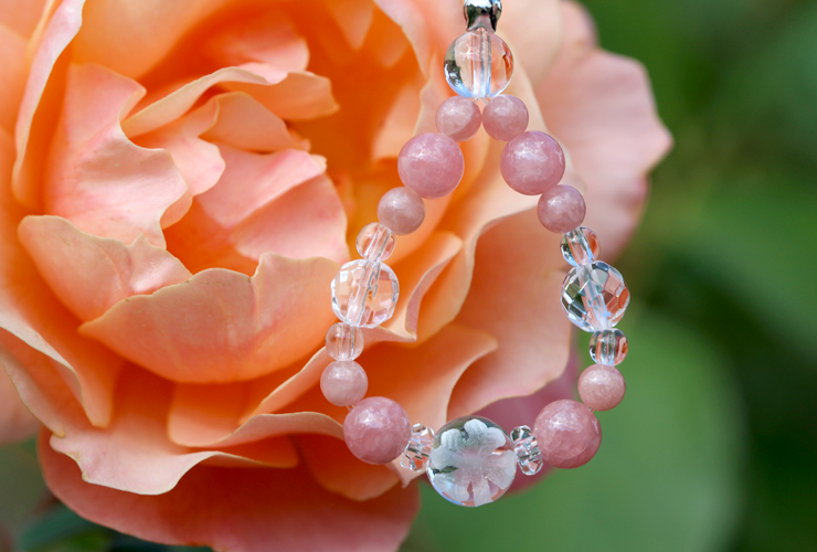 「薔薇色」インカローズ・水晶(クォーツ)花かずら(6mm)ストラップのイメージ画像3