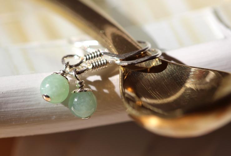 「ささやき」オーダーメイドピアス・イヤリング(4ミリ玉)の風景メインイメージ