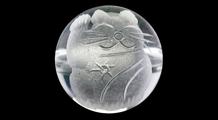 招き猫(右) 彫り水晶(10mm)